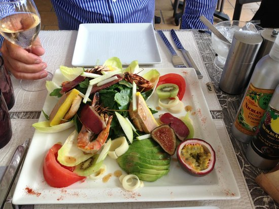 Aux Enfants Terribles : The salad - enough for 2 to share !  A real highlight !!
