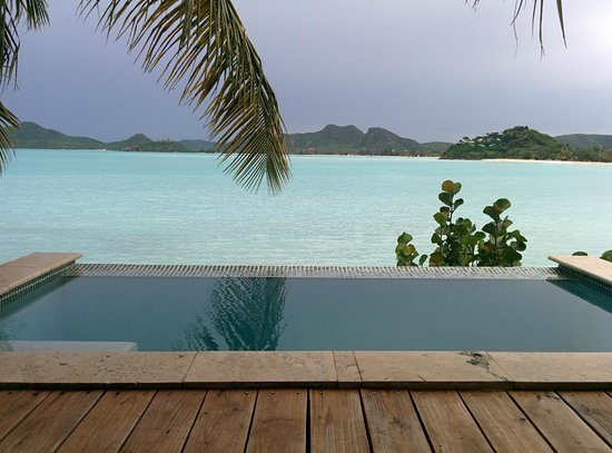 Cocobay Resort : private plunge pool (premium waterfront suite)