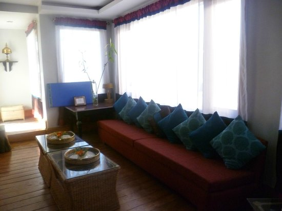 The Habitat Shillong: Sitting room on the way to the terrace