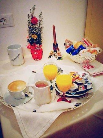 Aquavenice: super romantic breakfast