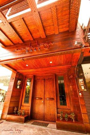 Rumah Kayu Bali: eksterior