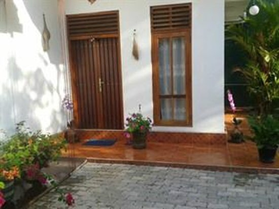 Amanda Resort : main door