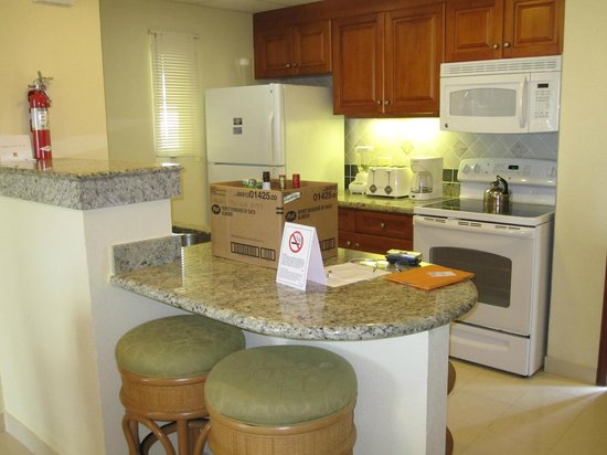 The Villas at Simpson Bay Resort & Marina: Kitchen 512A