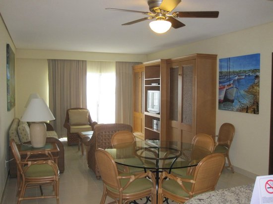 The Villas at Simpson Bay Resort & Marina: Living area 512A