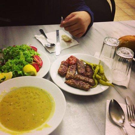 Sultanahmet Koftecisi: シンプルな味。2日通いました!