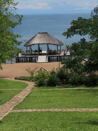 Ndole Bay Lodge: Insaka over the lake