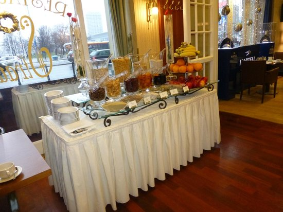Polonia Palace Hotel: Buffet fruits