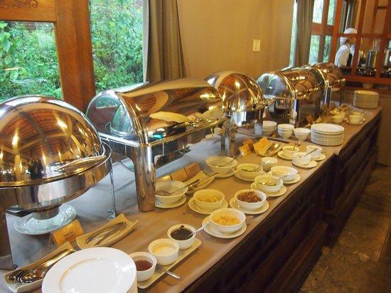Pilgrimage Village: Breakfast