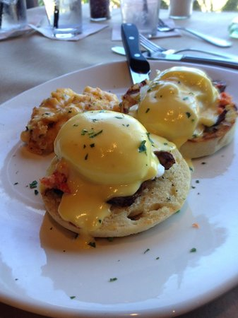 Bonefish Grill: Surf and Turf eggs Benedict