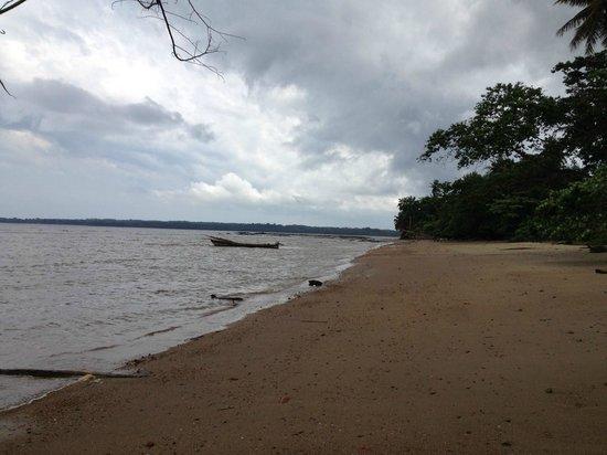 Equatorial Guinea: Playa de Mbini