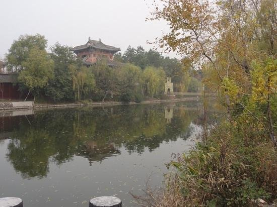 Hengdian Riverside Scene at the Pure Moon Festival: 清明上河图