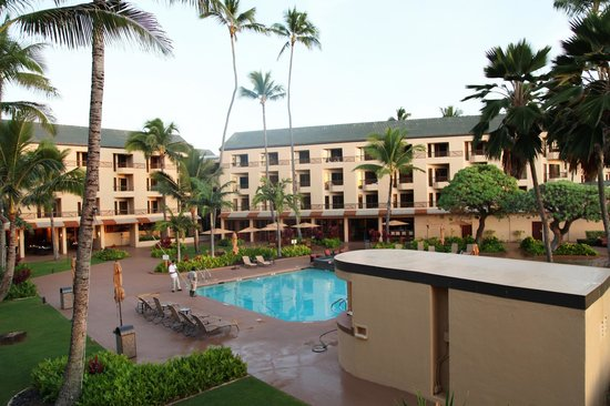 Courtyard Kaua'i at Coconut Beach : pool area