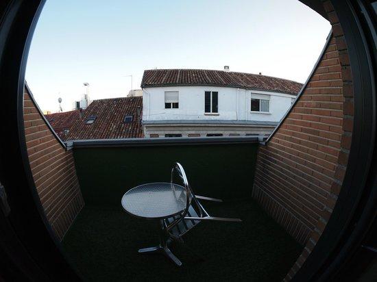 Ibis Styles Madrid Prado: Balcony