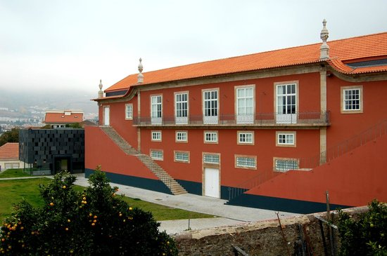 Peso da Régua, Portugal: Edificio Museu do Douro
