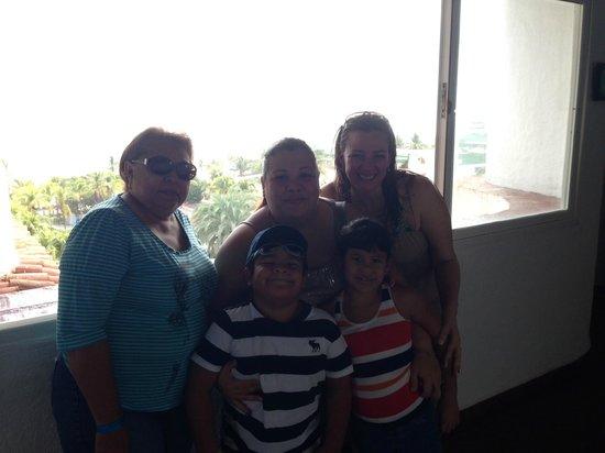 SUNSOL Isla Caribe: En familia...