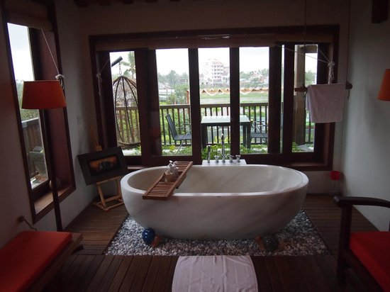 Hoi An Chic Hotel: Grand Chic bathroom suite