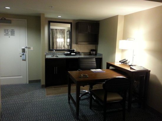 Embassy Suites by Hilton Springfield: Kitchen and Desk Area