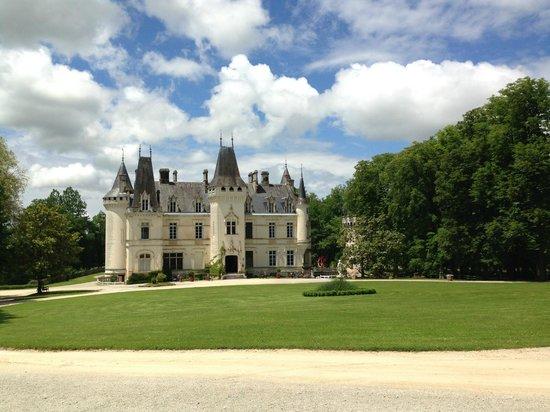 The chateau picture of la grange aux oies nieuil tripadvisor - La grange aux oies souvigny ...