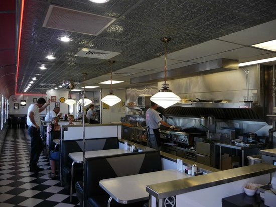 Penny's Diner: Penny's Interior