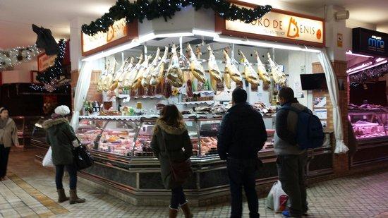 Mercado de la Bretxa: Ham:))