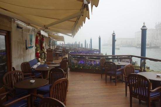 The Gritti Palace, A Luxury Collection Hotel : terrace of hotel in the December mist