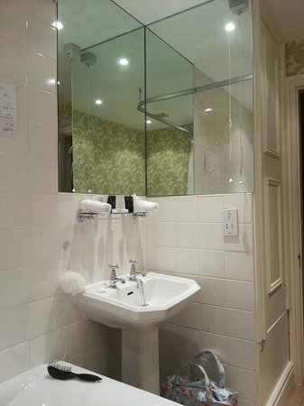 Merewood Country House Hotel : Ensuite 2