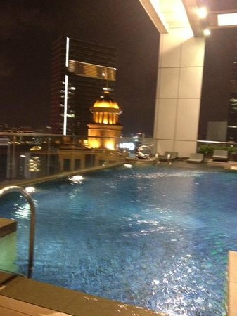 Crowne Plaza Hotel Hong Kong Causeway Bay: Tak-poolen