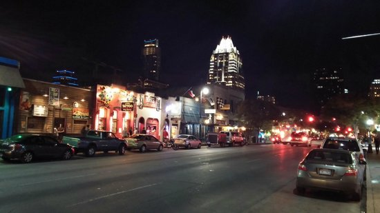 Omni Austin Hotel Downtown: Austin Music Scene on 6th Avenue Within Walking Distance