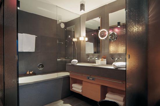 Hotel Madlein : Bathroom