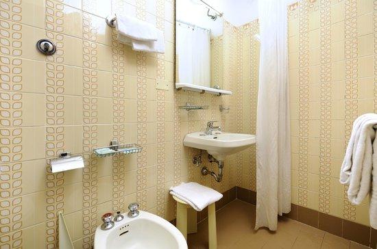 Careggi : Bathroom (Economy/Standard Room)