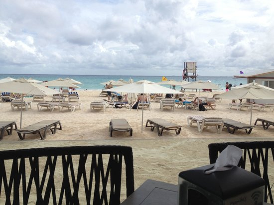 Mamita's Beach Club: Mamitas