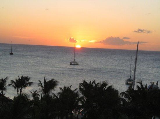 Hyatt Regency Aruba Resort and Casino : View from our balcony