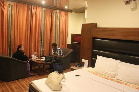 Kapil Hotel: room sittings