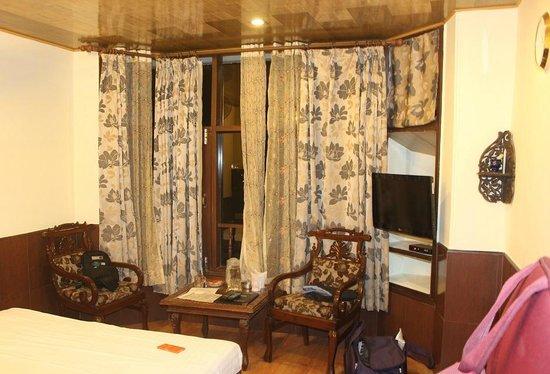 Kapil Hotel: Room