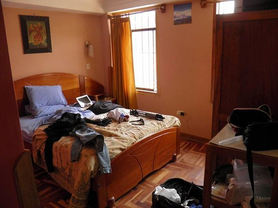 Hostal Resbalosa: quarto do hotel