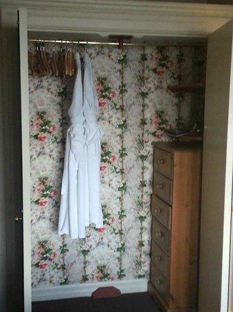 Miller Howe Hotel & Restaurant: Inside Wardrobe