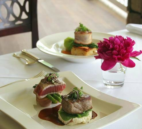 Dining Room at The Inn at Thorn Hill and Spa : Enjoy our daily specials