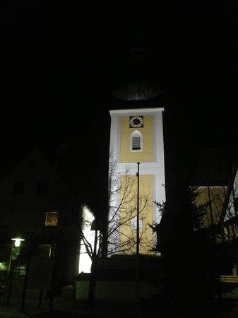 Haus am Markt: Konigstein church at night