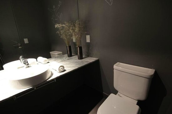 Palermo Rentals: Un baño completo y un toilette