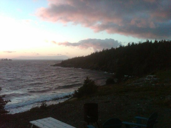 Ocean Delight Cottages: Sunset from our cottage