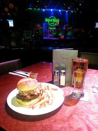 Hard Rock Cafe Tampa : Big Burgers!