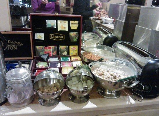 Hotel Van Eyck : Desayuno