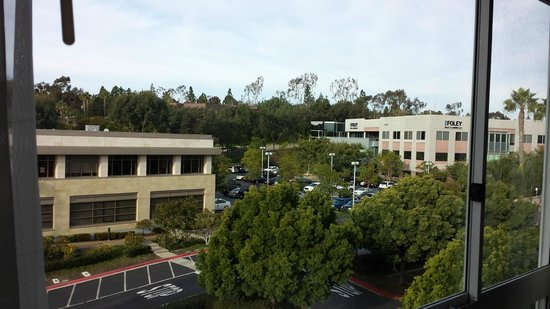 DoubleTree by Hilton San Diego - Del Mar: Outside view