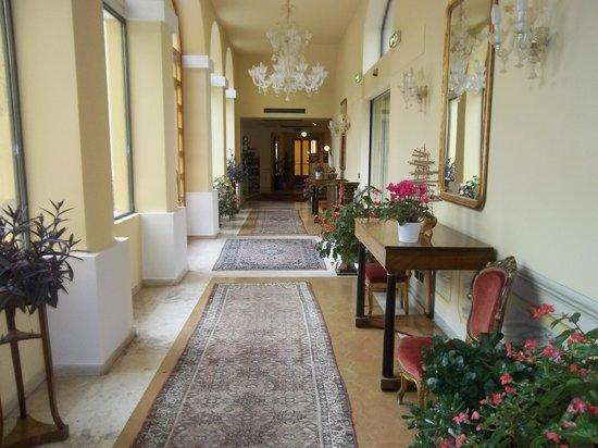Hotel San Luca : corridoio