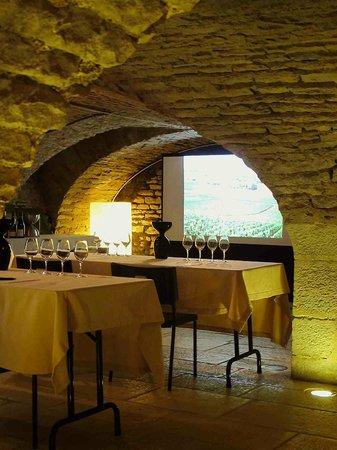 Les Caves de l'Abbaye : Diverses formations peuvent vous être proposées