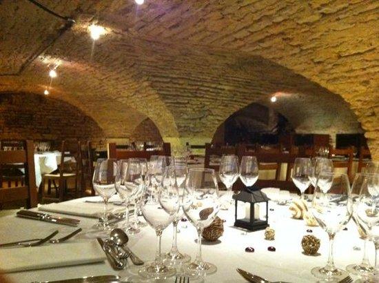 Les Caves de l'Abbaye : Nous organisons également vos diners sur mesure.
