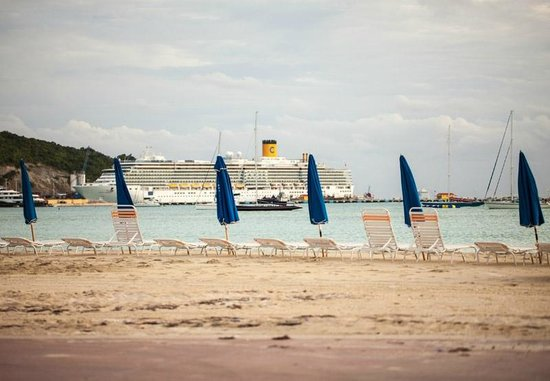 Sea Palace Resort : Beach side of Sea Palace