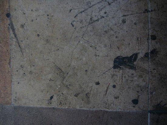 Pousada Redfish: Le sol sale de la chambre nr  6.