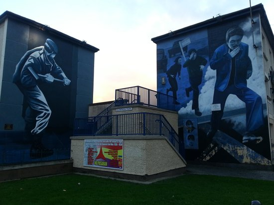 Bloody Sunday Memorial: One of the Free Derry mural