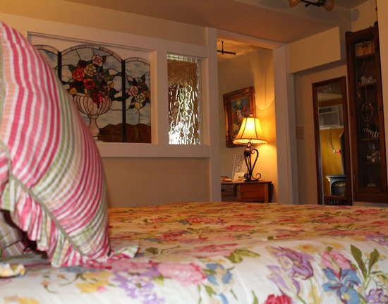Piedmont House Bed and Breakfast: Edgewood Terrace